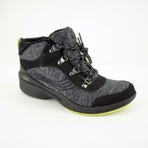 Bzees Horizon Booties, Black